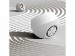 Creative Pebble 2.0 USB-Powered Desktop Speakers with Far-Fi